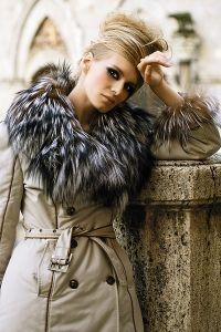 Зимнее женское пальто с капюшоном 1