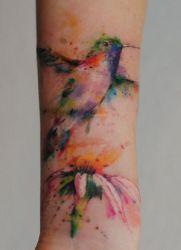 что означает тату колибри