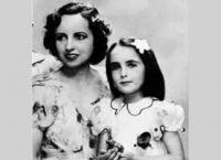Элизабет Тейлор вместе с мамой