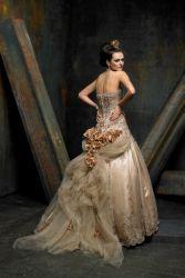 Rochie de mireasa de aur