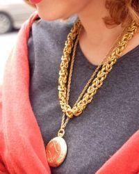 Золотой медальон