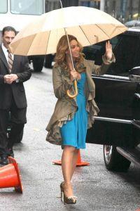 Зонт как часть образа 4
