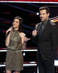 Гримми стала знаменита после шестого сезона популярного шоу Голос