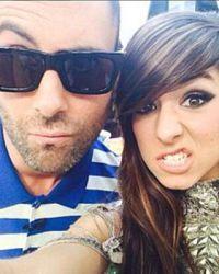 Адам Левайн поделился фотографией с Кристиной в Instagram