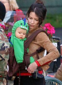 Малыш Кахелики с мамой