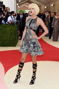Taylor Swift v obleki Louis Vuitton