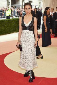 Selena Gomez Loius Vuitton
