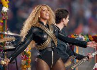 Beyoncé, de asemenea, nu a ratat fanii de la Super Bowl